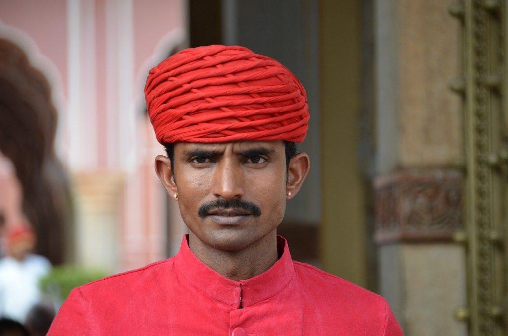 Style de moustache fine sans barbe