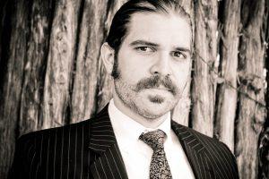 barbe de 10 jours homme avec moustache